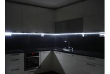 кухня по поръчка бял гланц